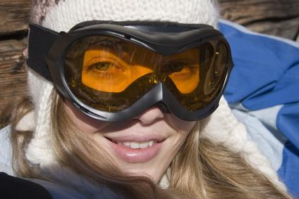 Frau mit Skibrille